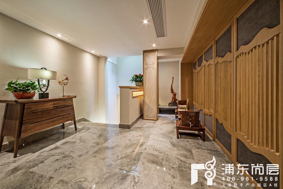 尚东鼎新中式风格楼梯间装修实景图