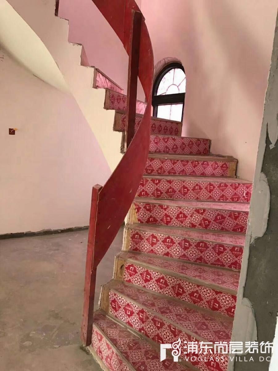 圣堡别墅装修项目施工工地实拍