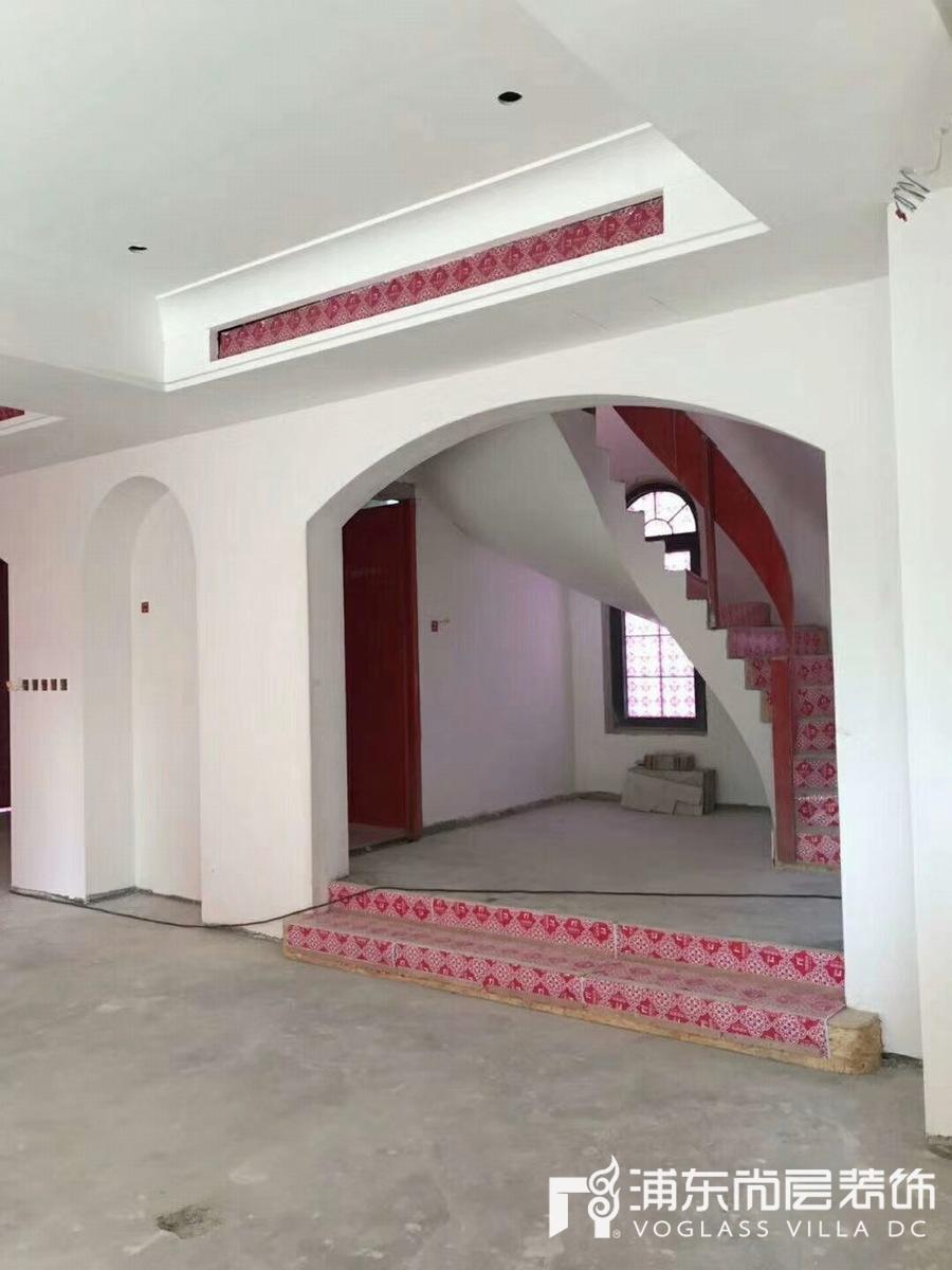 圣堡别墅装修项目施工工地